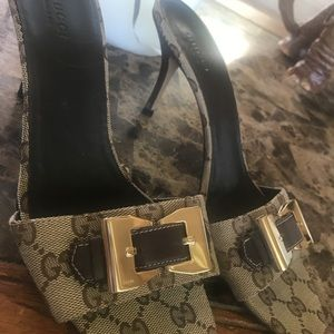 Gucci monogram shoes 3 inches in heel